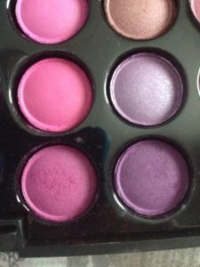 Purple and pink colour used in the crease